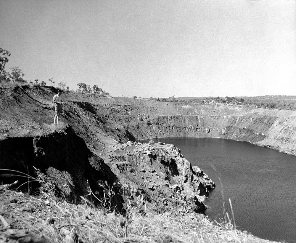 Dyson's open cut pit flooded (1960). National Archives of Australia: A1200, L35453