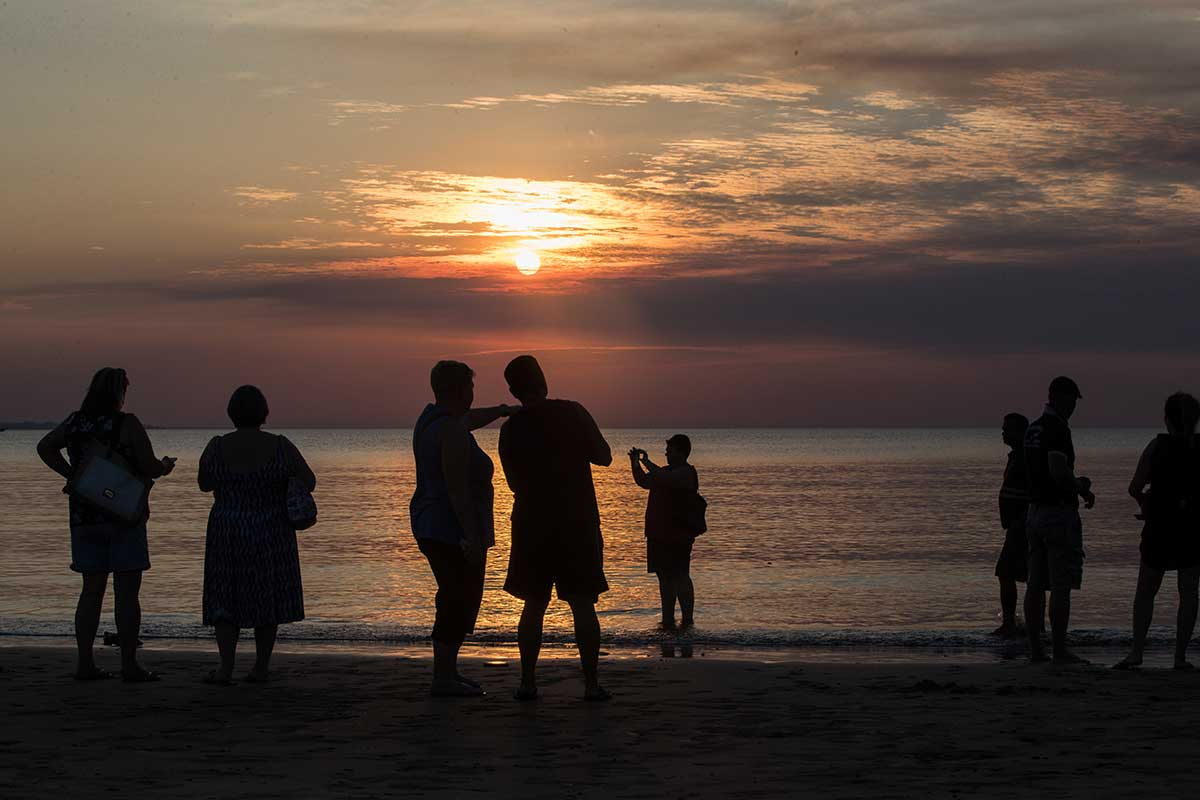 Sun setting at Mindil Beach