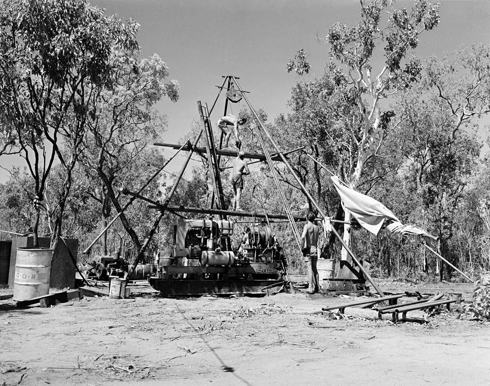 Diamond drill teams at Rum Jungle mine site (1955). National Archives of Australia: A1200, L19448